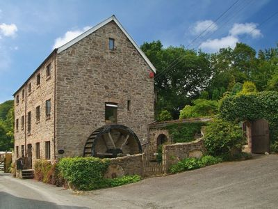 Photo for THE OLD MILL, pet friendly, with pool in Blakewell, Ref 975972