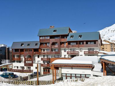 Photo for Val Thorens Apartment, Sleeps 6 with WiFi
