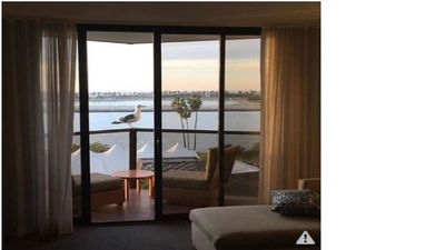 Resort suite stay for SDCC!