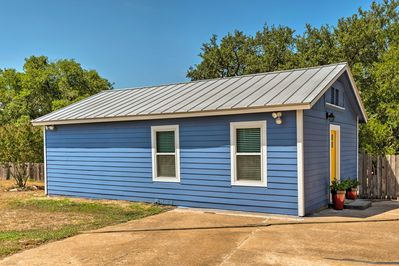 This 1-bed, 1-bath vacation rental cottage offers plenty of space for up to 4.