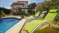 Beautiful villa in a quiet location. Perfect for our family of 5. Outside area was very private.