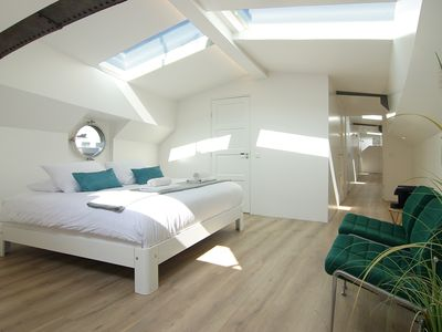 Photo for Bright & Spacious Studio @ eco houseboat!