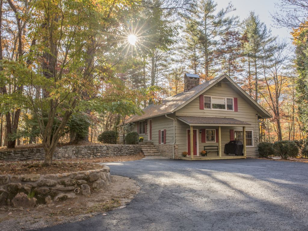 Exceptionnel Dogwood Hill Is 7 Miles From Cashiers, NC A Great Space To Vacation W/