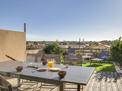 Photo for Beautiful apartment with WIFI, TV, balcony, washing machine, pets allowed and parking