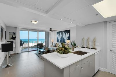 Incredibly glamorous 1-bedroom condo at Long Beach.  COMPLETELY REMODELED!