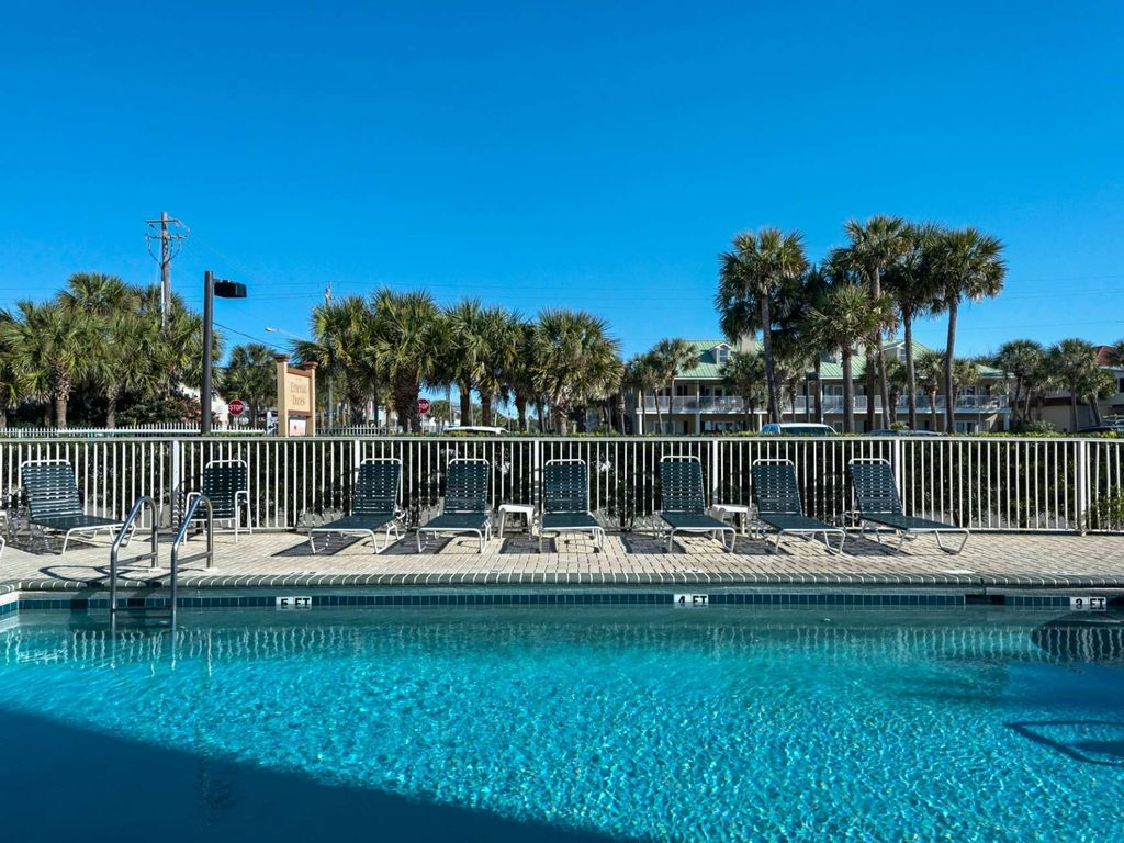Beach Front Condo with gorgeous Gulf Views!  Sleeps 6 large image 4