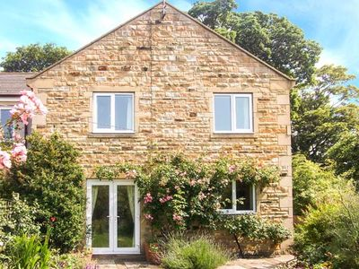 Photo for 1 MOWBRAY COURT, pet friendly in West Tanfield, Ref 30727