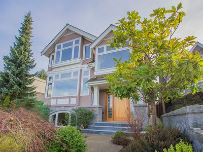 Photo for Gorgeous Executive West Side Home with Stunning Views