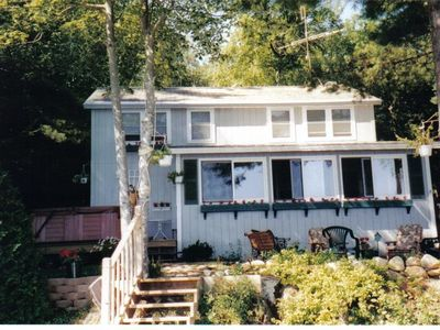 A Lovely Lake Winnisquam Private Waterfront Home, 3 BR's, 2 bath, Jacuzzi