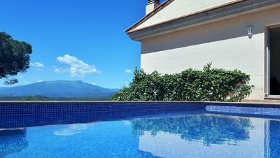 Photo for Villa with pool and spectacular views 10 minutes from the beach