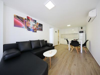 Photo for Villa Pino with Jacuzzi (One-bedroom apartment with terrace)