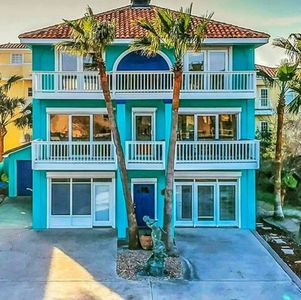 Photo for Gulf View, Direct Beach Access, Private Heated Pool & Hot Tub!