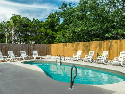 Photo for 6BR Lazy Pineapple-OPEN Oct 18 to 21☀Walk 2 Bch☀PRIVATE Pool- Fun Pass