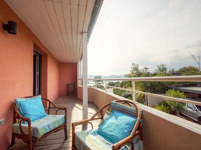 Photo for Apartment 4/6 people - swimming pool and sea walk