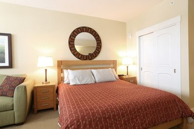 Capture a great night sleep in the comfortable king bed.