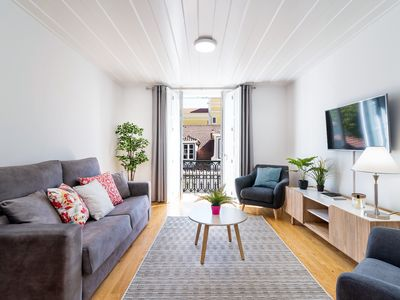 Photo for Amazing brand new 1-bedroom in Chiado