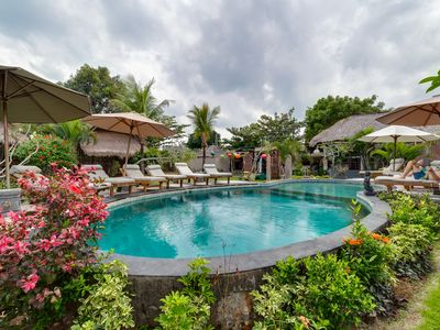 LOVELY BUNGALOW, Balangan beach