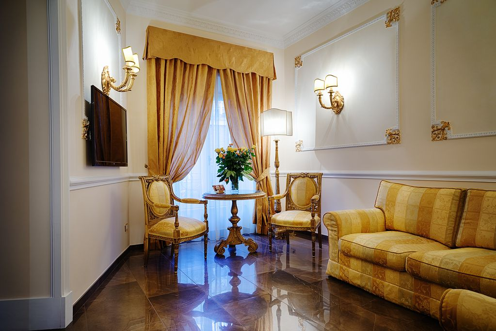 Vacation Rental Rome Luxury Apartment Spanish Steps 8 People 3 Bedrooms