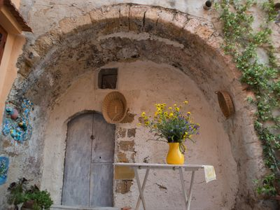 Photo for ARABIC HOUSE IN THE VICOLO with PRIVATE COURTYARD AND ANCIENT CAVE SCALE