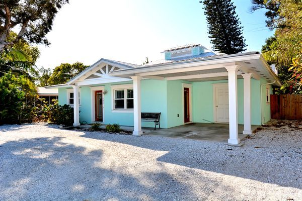 The lady fish by duncan real estate homeaway anna maria for Fish real estate