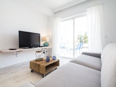 Photo for Fully renovated apartment 100 meters from the beach.