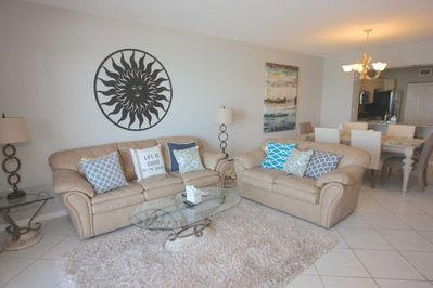 Spacious Living Room Area with Queen Sleeper Sofa/Flat Screen Cable TV/Ocean View off Patio