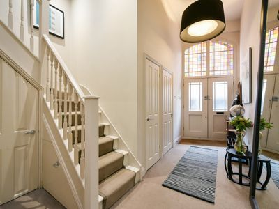 Photo for Stunning Oxford Street Mews House near London's Regents