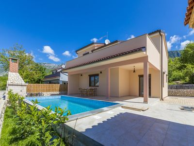 Photo for Holiday house with pool, air conditioning and terrace