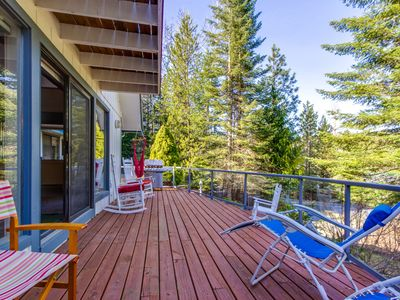 Photo for NEW LISTING! Family-friendly house w/deck, partial lake views & entertainment