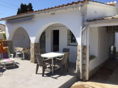 Photo for House for 4 persons with private pool located  at 950m from the beach of Riells