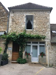 Photo for Cottage in medieval village overlooking the Dordogne L'Annexe