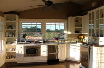 Microwave convection oven, drawer dishwasher, and drawer refrigerator