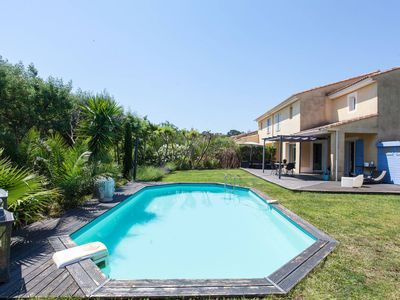 Photo for Beautiful twin villa, entirely remodeled, with swimming pool and absolute peacefulness