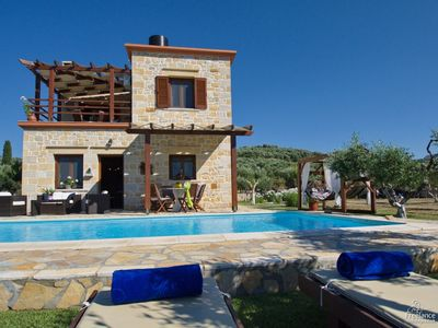 Photo for Chalepa Villa, Sleeps 4 with Pool and Air Con