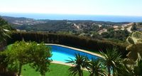 Wonderful villa with spectacular views, excellent amenities, great vacation place for 8-10 people