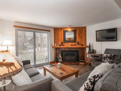 Photo for Fabulous 2 Bedroom Condo - Great Complex, Close to Mountain
