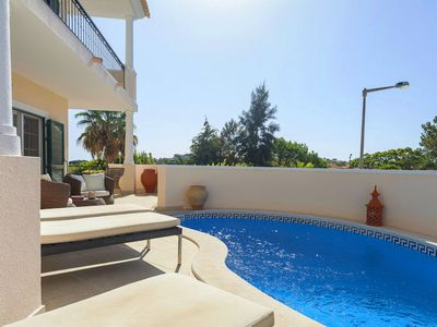 Photo for Duplex with private pool beside the tennis centre in Vale do Lobo