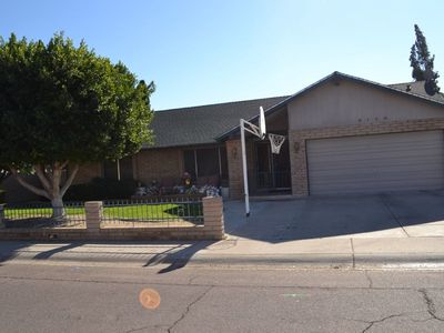 Photo for Great Glendale Home - 9 miles from Super Bowl 3BR/2Bth/2150SQFT/Big Patios