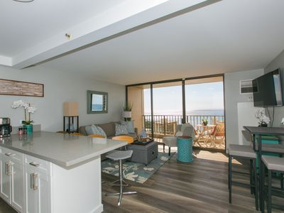 Photo for Renovated Waikiki condo w/Ocean View, free parking! One block to the beach