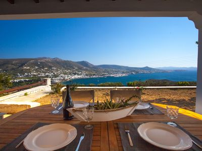 Photo for 4BR Villa Vacation Rental in Πάρος