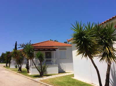 2 bedroom bungalow Kefalonia: 4 bungalows on a spacious green territory
