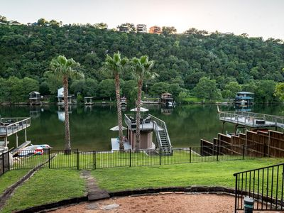 Gorgeous Waterfront Home on Lake Austin Perfect For Kids and Dogs!