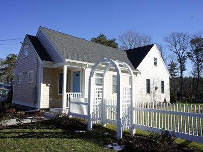 Photo for Knotty Oar - New Cottage with Central AC & 2 full baths