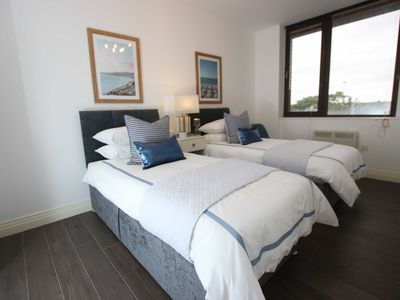 Photo for Stylish, stunning 2 Bed Flat Plus! FREE parking