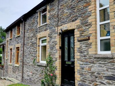 Photo for Cosy cottage in South Wales with a large kitchen and comfortable furnishings