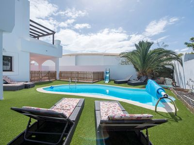Photo for 3BR Villa Vacation Rental in Corralejo, CN