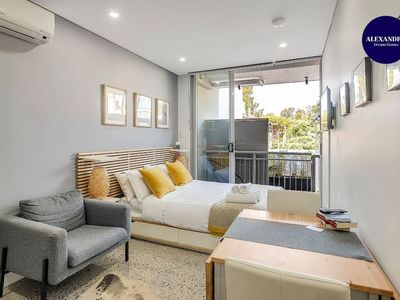 Photo for BRAND NEW STUDIO SURRY HILLS // EXCELLENT LOCATION