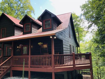 Photo for Hot Tub, Dog Friendly, WiFi, Great Linens & Beds, Sleeps 8