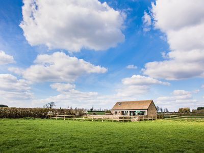 Photo for Keeper's Barn, Kemble Farm, Cirencester, Cotswolds