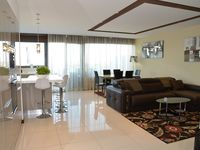 Luxury apartment in a great location!!